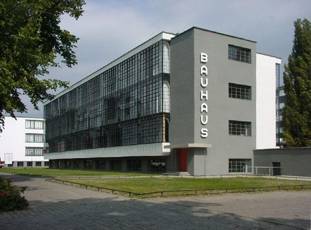 Bauhaus School - Dessau - Walter Gropius