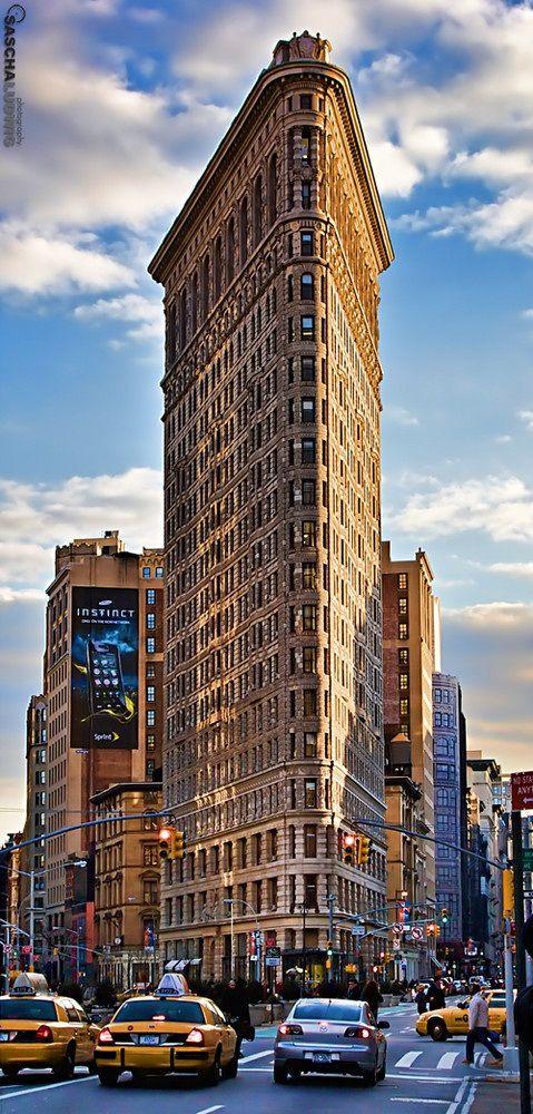Flatiron Building - Fachadas Frontais