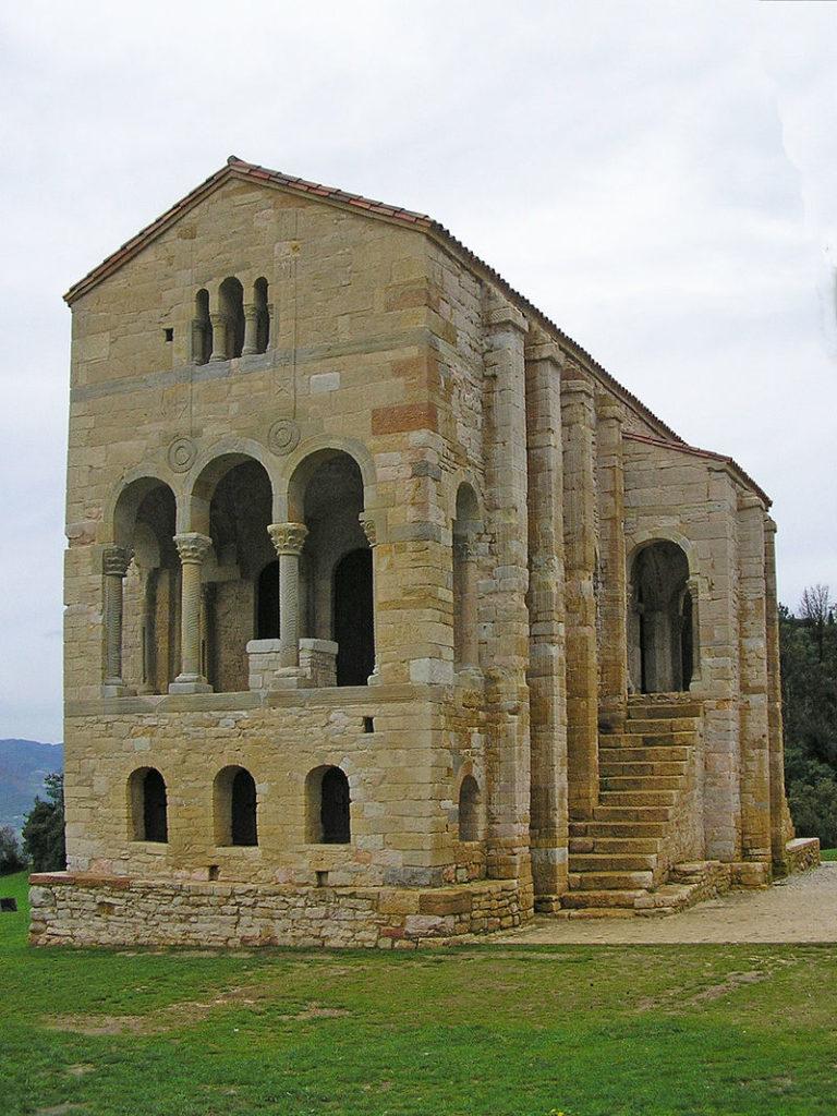 Igreja de Santa Maria Del Naranco - Oviedo - Espanha
