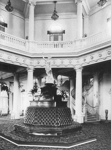 Interior do Palácio Monroe - Foto de Torres - Acervo de George Ermakoff - 2