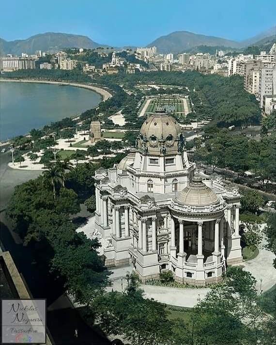 Palácio Monroe e vista para o Flamengo