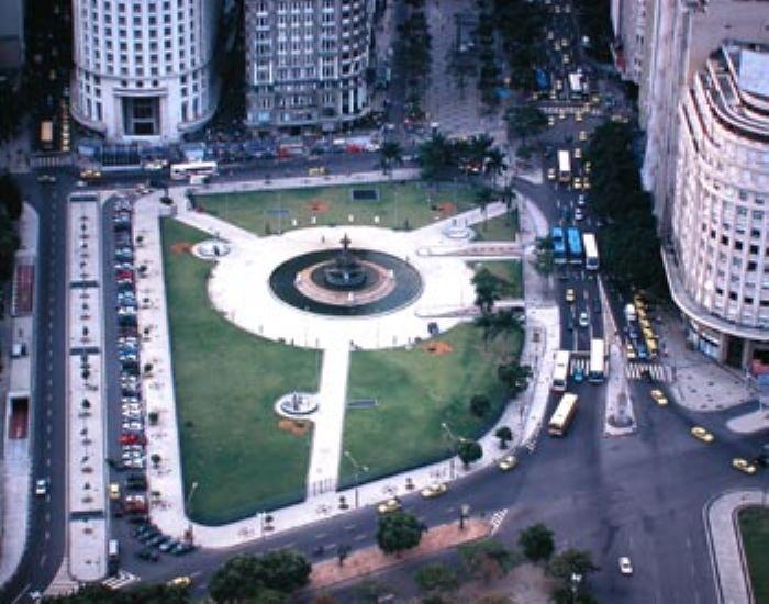Praça Mahatma Gandhi, onde localizava-se o Monroe