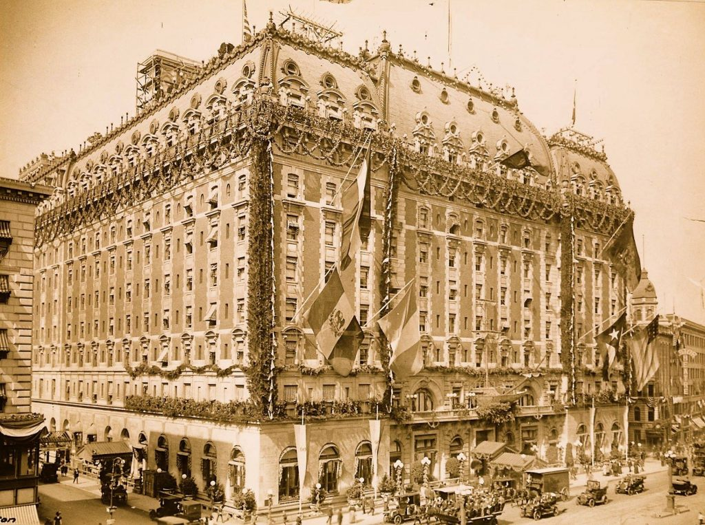 A Beaux-arts do Astor Hotel - Nova York